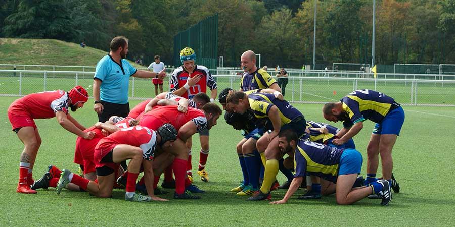 Fédérale 3 Victoire de Clamart Rugby 92 contre Rueil le 20 septembre 2020 au Stade de la plaine - photo d'une mêlée