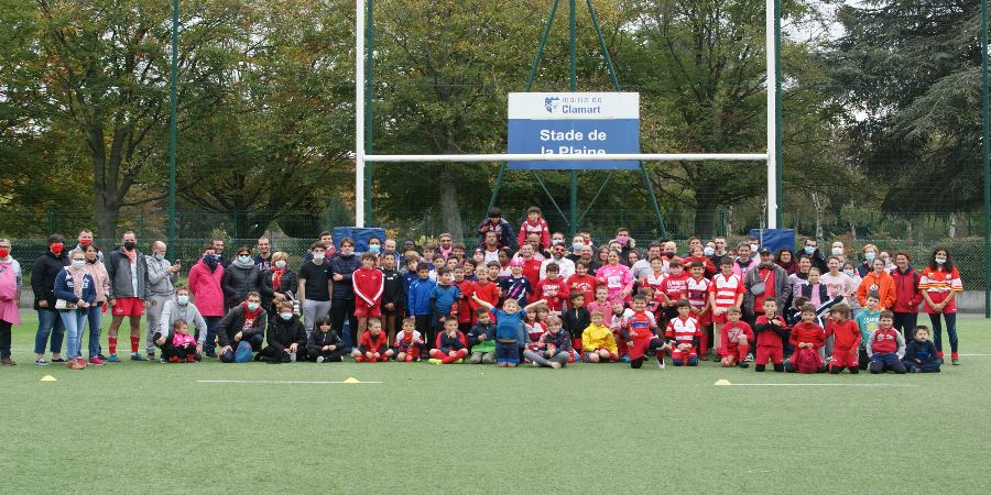 Rugby festif Octobre Rose Clamart Rugby 92 - Photo des participants au stade de la Plaine