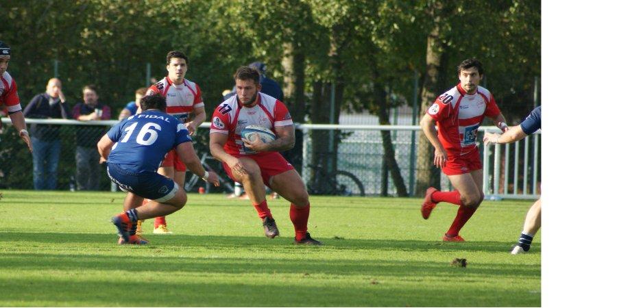 Défaite des séniors face à Versailles- Clamart Rugby 92 - fédérale 3 - photo d'une percussion