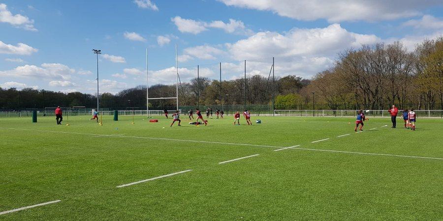 Une semaine d'entrainements réussie - photo de lignes de passes au stade de la Plaine en U10